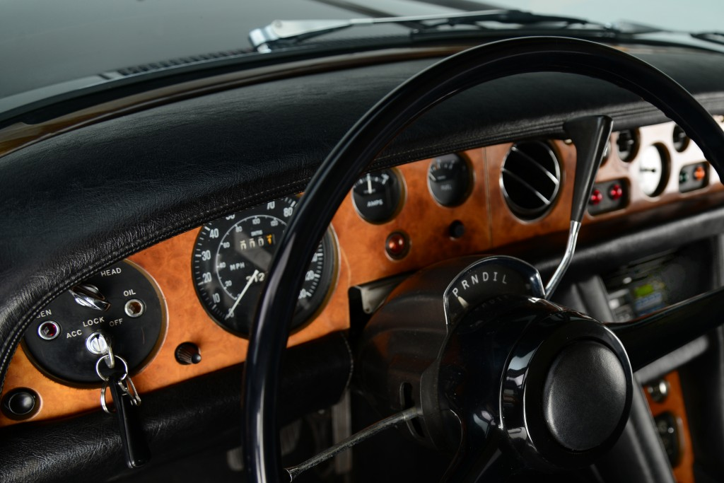 Closeup of original dash. The Silver Shadow's steering wheel is simple, yet elegant.