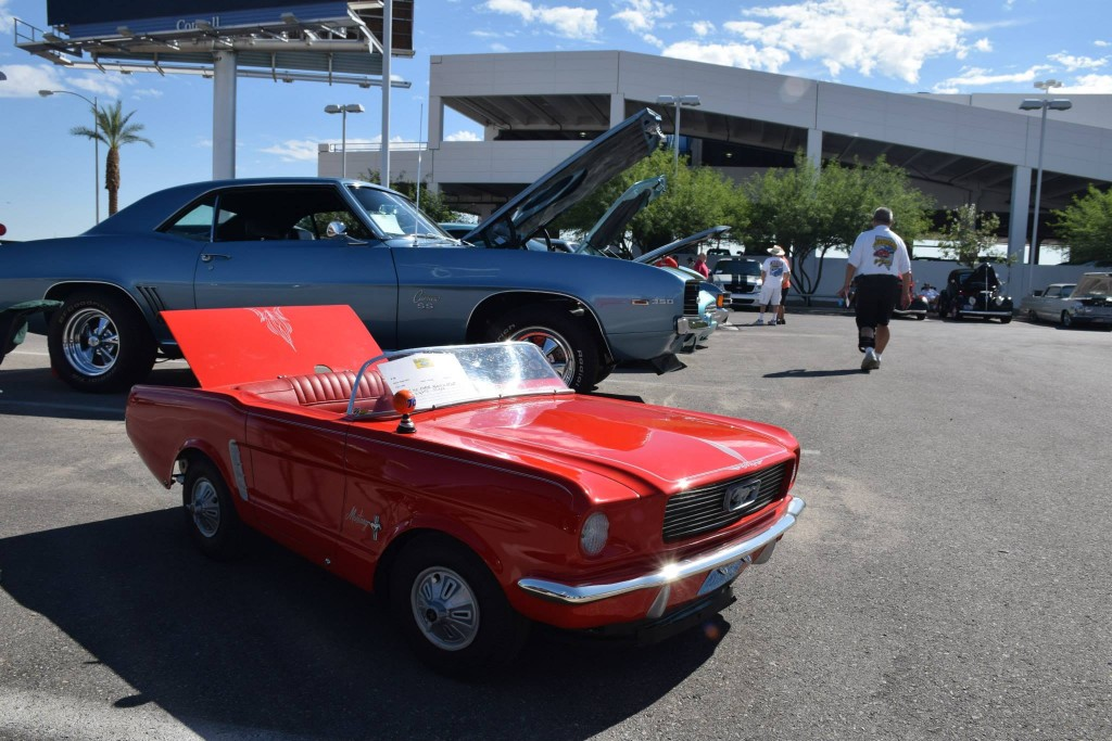 Barrett-Jackson-Cruise-in-Mini-Mustang