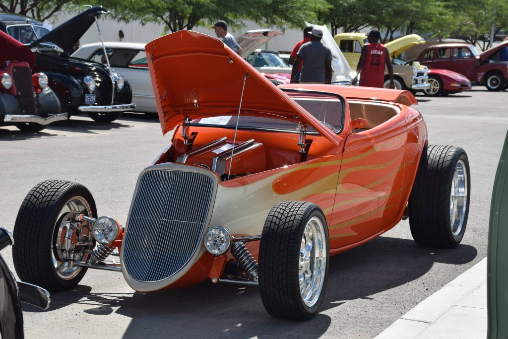 Barrett-Jackson-Cruise-in-Street-Rod-LEad